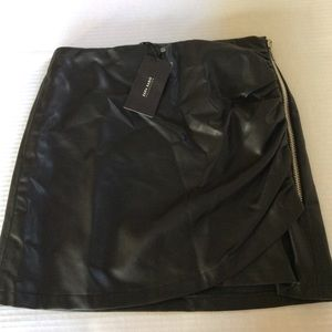 Zara Basic Faux Leather Skirt with Zip